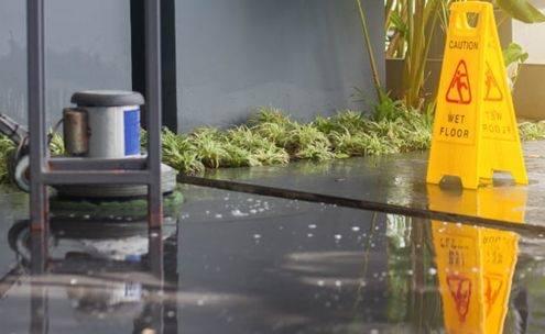 limpieza de suelos y pavimentos